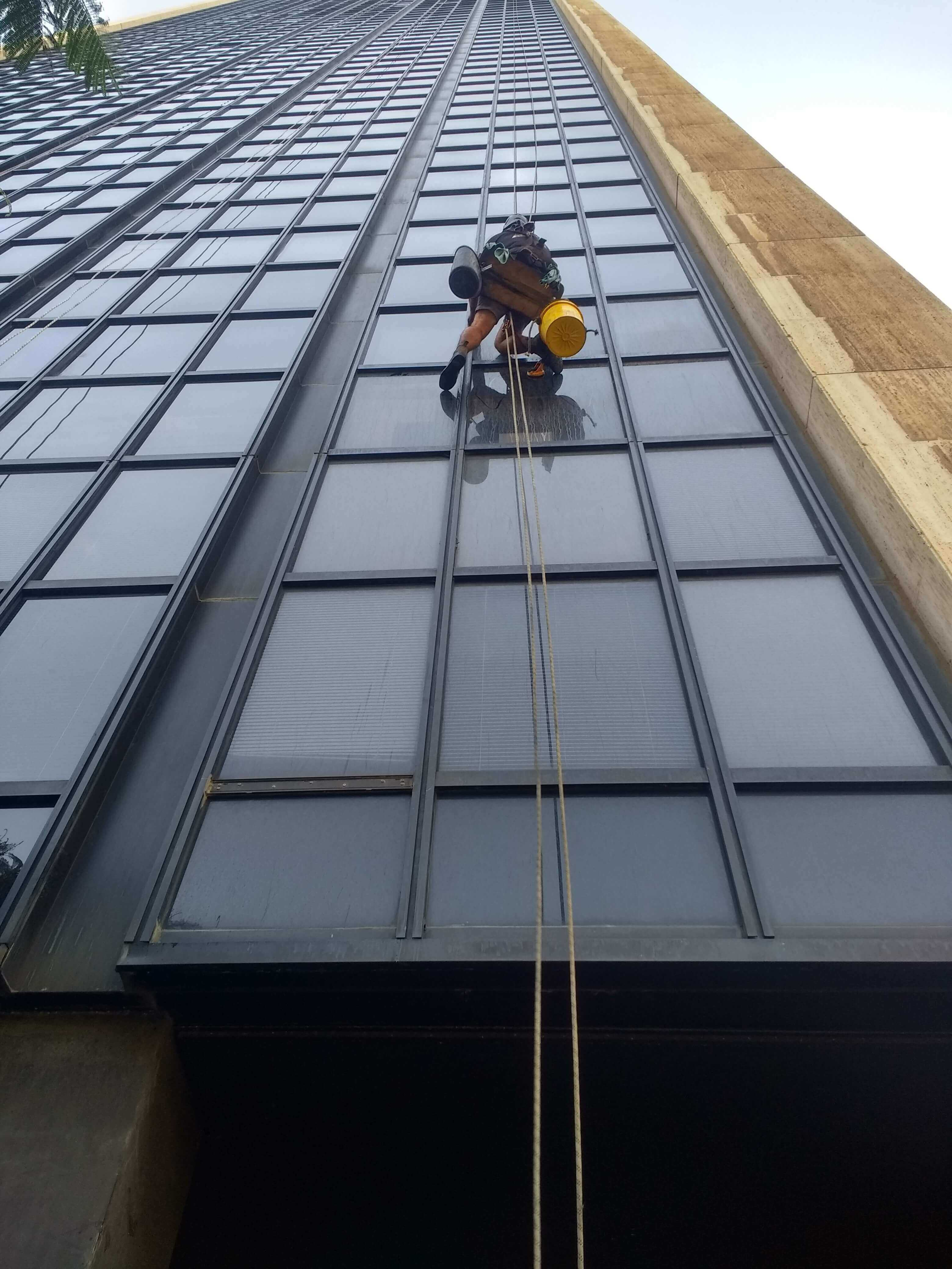 ניקוי חלונות מקצועי בסנפלינג
